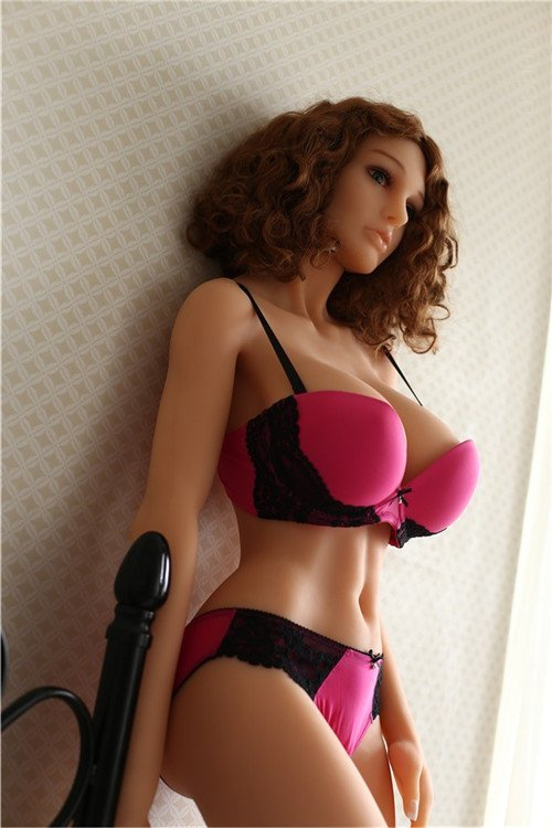 Realistic-Sex-Doll-