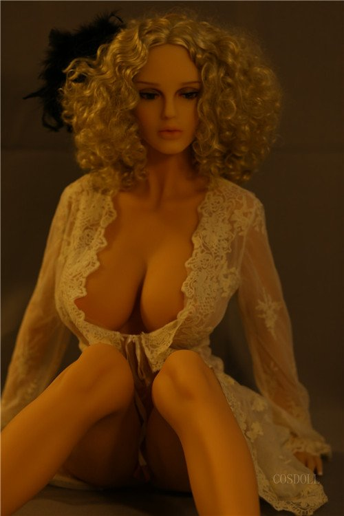 Realistic-Sex-Doll
